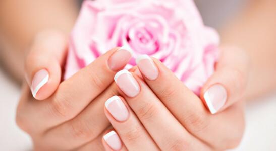 institutdebeautesolidaire_mains-et-roses-roses.jpg